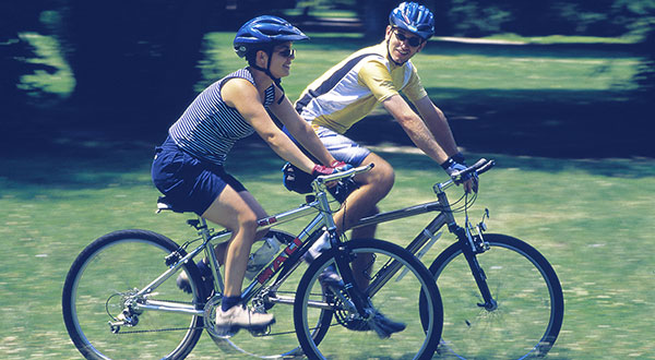 Modern-Bicycling-What-you-need-for-a-ride-on-the-bike