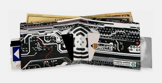 03-dynomighty-mens-cyber-mighty-wallet