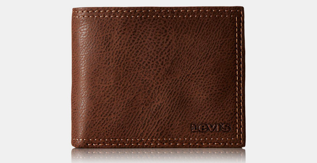 03-levis-mens-extra-capacity-leather-slimfold-wallet