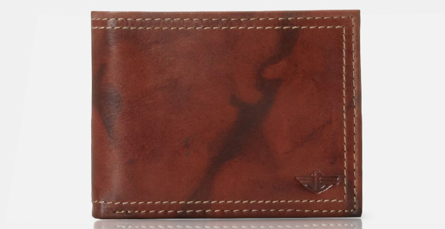 08-dockers-mens-extra-capacity-leather-bifold-wallet