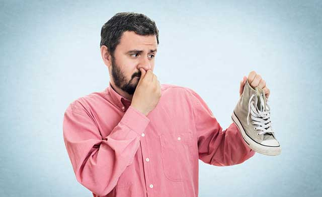 How to get rid of smelly running shoes
